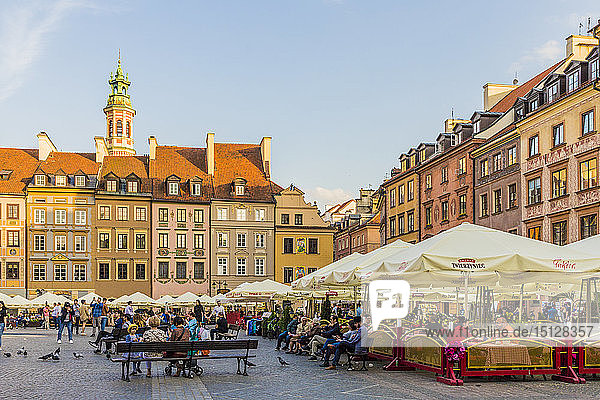 The colourful Old Town Market Place Square in the old town  UNESCO World Heritage Site  Warsaw  Poland  Europe