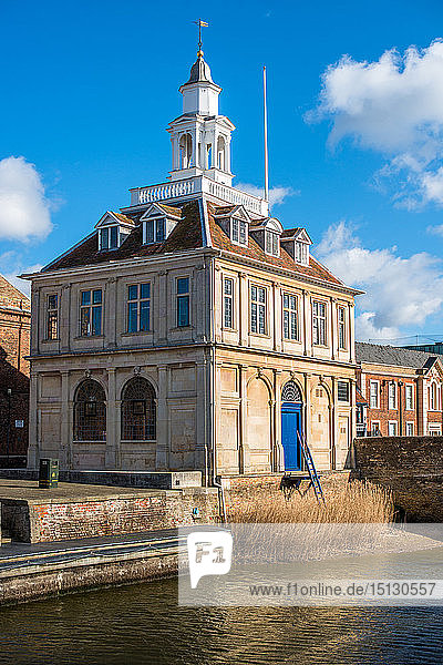The Customs House on the historic Purfleet Quay in Kings Lynn  Norfolk  England  United Kingdom  Europe