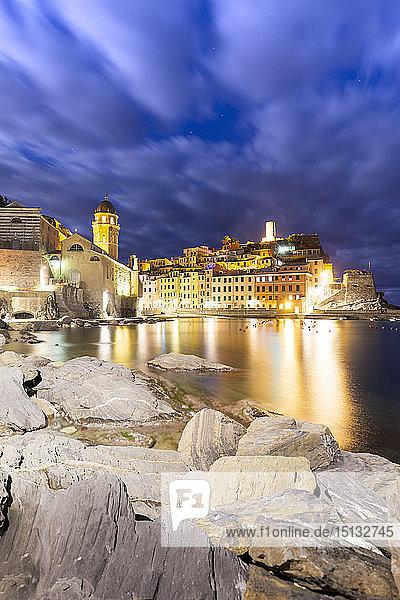 Village of Vernazza at night  Cinque Terre  UNESCO World Heritage Site  Liguria  Italy  Europe