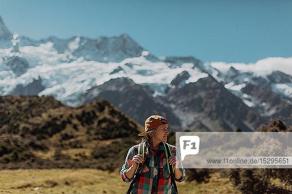 Wanderer erkunden die Wildnis  Wanaka  Taranaki  Neuseeland