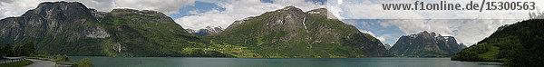 Berge und See  Norwegen  Europa