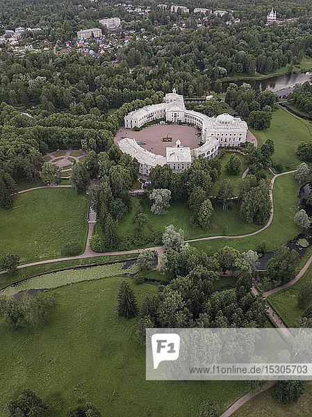 Aerial view of Pavlovsky Palace  Pavlovsky Park  Pavlovsk  St. Petersburg  Russia