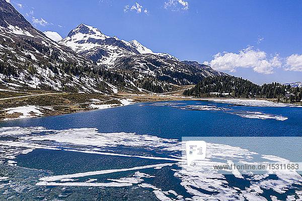 Panoramablick auf den Obersee im Defereggental  Osttirol  Österreich