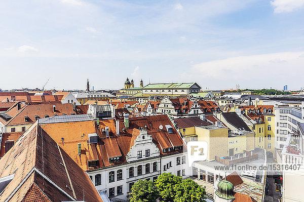 Deutschland  Bayern  München  Stadtzentrum und Liebfrauenkirche
