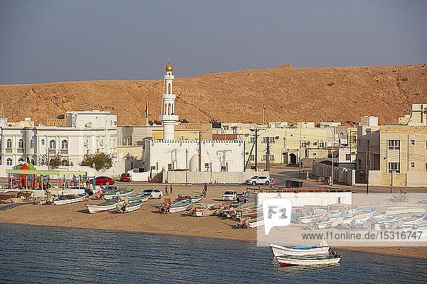 Blick auf die Moschee in Sur  Oman