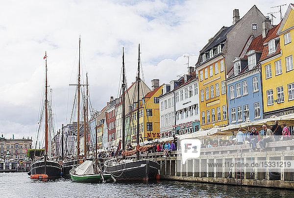 Bunte Gebäude am Nyhavn in Kopenhagen  Dänemark