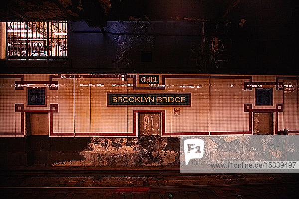 Brooklyn Bridge City Hall Metro station