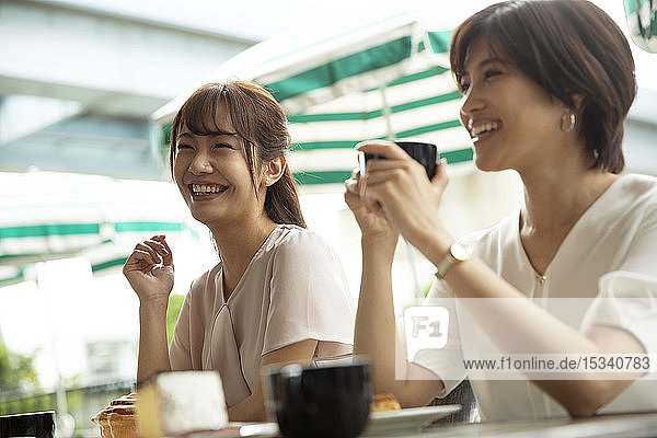 Japanese women at a cafe