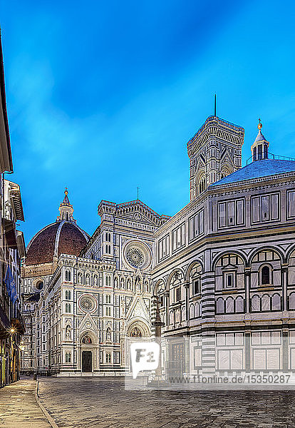 Santa Maria del Fiore Cathedral at dawn  Florence  UNESCO World Heritage Site  Tuscany  Italy  Europe