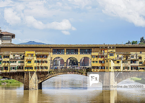 Ponte Vecchio and Arno River  Florence  UNESCO World Heritage Site  Tuscany  Italy  Europe