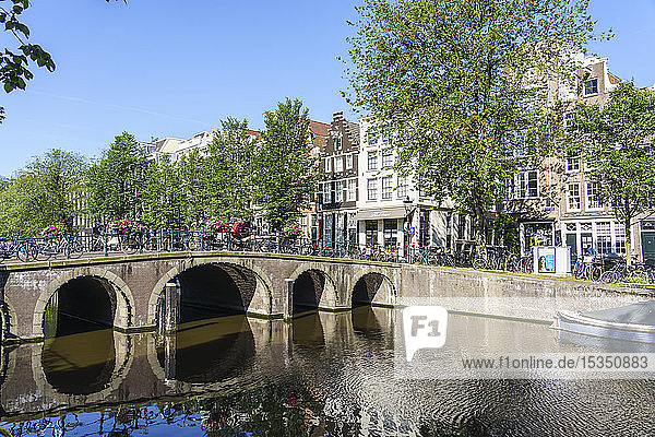 A bridge over the Herengracht canal  Amsterdam  North Holland  The Netherlands  Europe