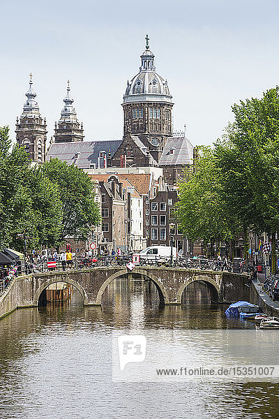 St. Nicholas Church (St. Nicolaaskerk) from Voorburgwal  Amsterdam  North Holland  The Netherlands  Europe