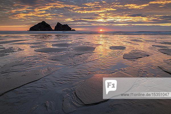 Sunset over Holywell Bay on the North Cornish coast  Cornwall  England  United Kingdom  Europe