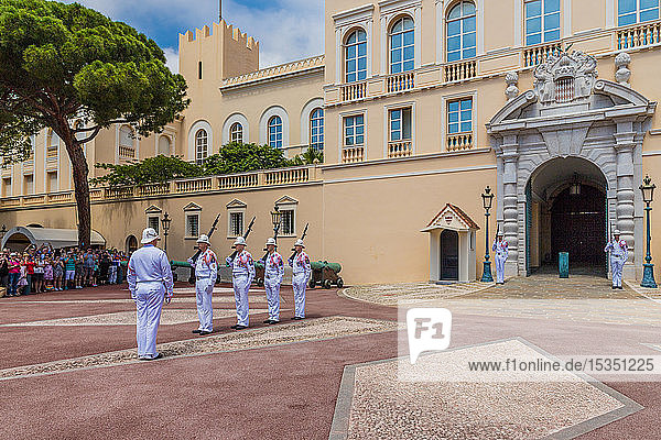 Changing of the Guard at Prince's Palace of Monaco in Monaco  Cote d'Azur  French Riviera  France  Europe