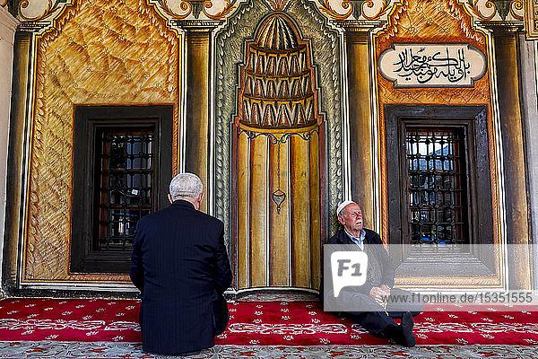 Macedonian Muslims  Pasha mosque  the painted mosque of Tetovo  Republic of Macedonia  Europe