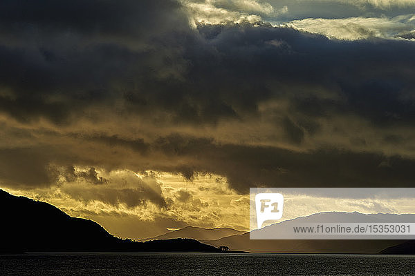 Carpet of clouds over mountain ranges at sunset  Scottish Borders  United Kingdom