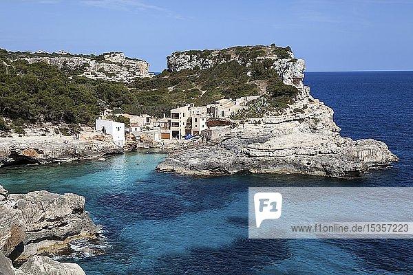 Badebucht Cala S'Almunia  Sa Comuna  bei Cala Llombards  Mallorca  Balearen  Spanien  Europa