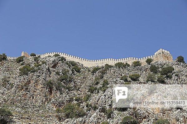 Mauer der Festung Ehmedek auf dem Burgberg  Alanya  Provinz Antalya  Türkei  Asien