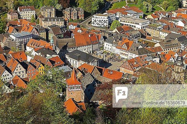 Ausblick auf Marktplatz und Roter Turm  Altstadt  Kulmbach  Oberfranken  Franken  Bayern  Deutschland  Europa