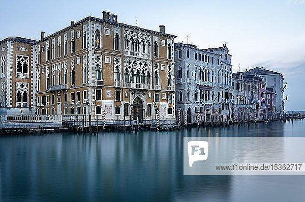 Historisches Haus am Canal Grande  Venedig  Italien  Europa