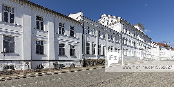 Kavaliershäuser am Rondellplatz Circus  Putbus  Insel Rügen  Mecklenburg-Vorpommern  Deutschland  Europa
