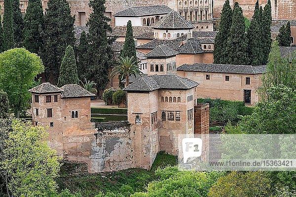 Nasridenpaläste  maurische Stadtburg Alhambra  UNESCO Welterbe  Granada  Andalusien  Spanien  Europa