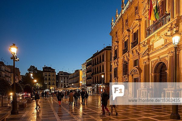 Plaza Nueva  Altstadt am Abend  Granada  Andalusien  Spanien  Europa