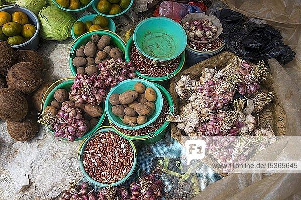 Gemüse  Verkauf auf dem lokalen Markt in Maubisse  Osttimor  Ozeanien
