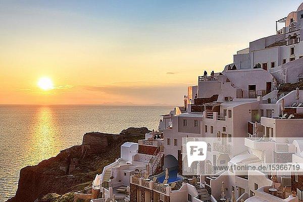 Houses on the hillside at sunset  Oia  Santorini  Greece  Europe