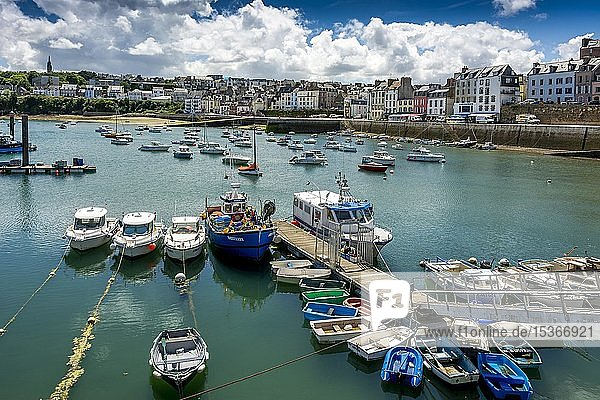 Cityview with harbour with boat  Douarnenez  Finistere department  Bretagne  France  Europe