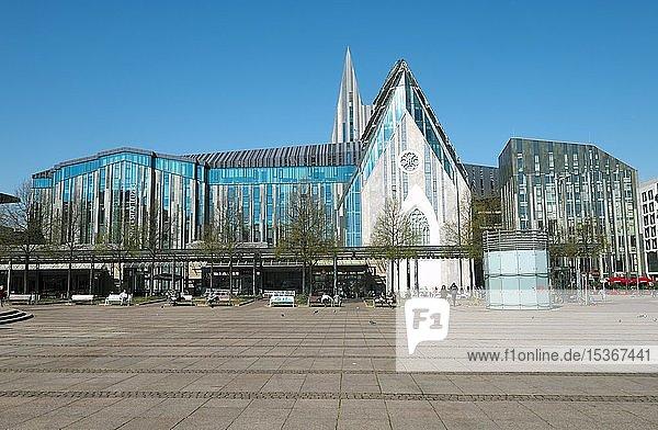 Paulinum  Aula und Universitätskirche St. Pauli der Universität Leipzig am Augustusplatz  Leipzig  Sachsen  Deutschland  Europa