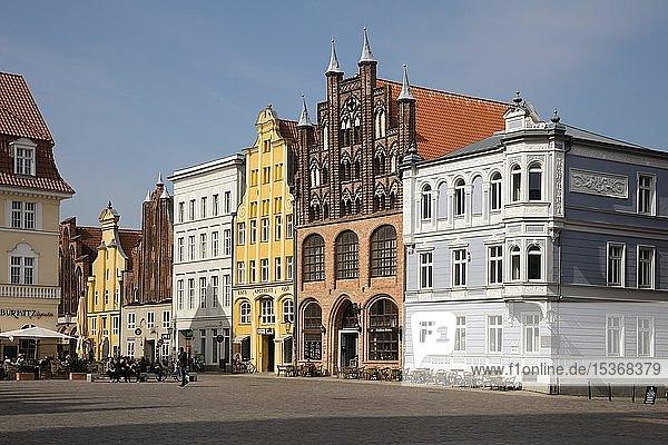 Wulflamhaus  Giebelhaus  Alter Markt  Stralsund  UNESCO-Weltkulturerbe  Insel Rügen  Mecklenburg-Vorpommern  Deutschland  Europa