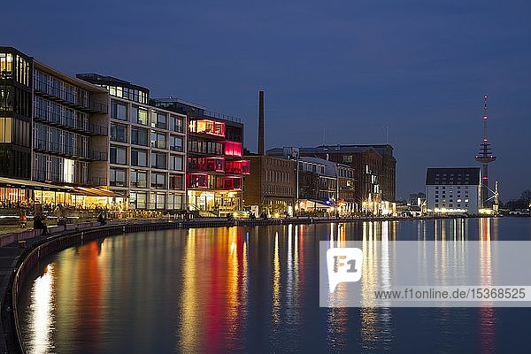 Kreativkai  Stadthafen  Nachtaufnahme  Münster  Münsterland  Nordrhein-Westfalen  Deutschland  Europa