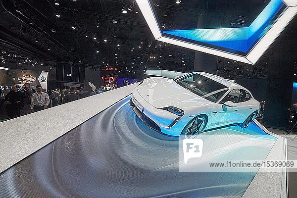 Porsche präsentiert auf der IAA den Elektro-Sportwagen Taycan  Frankfurt  Deutschland  Europa