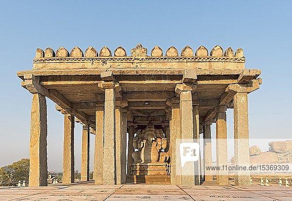 Saasivekaalu  Sasivekalu  Ganesha Tempel  Hampi  Indien  Asien