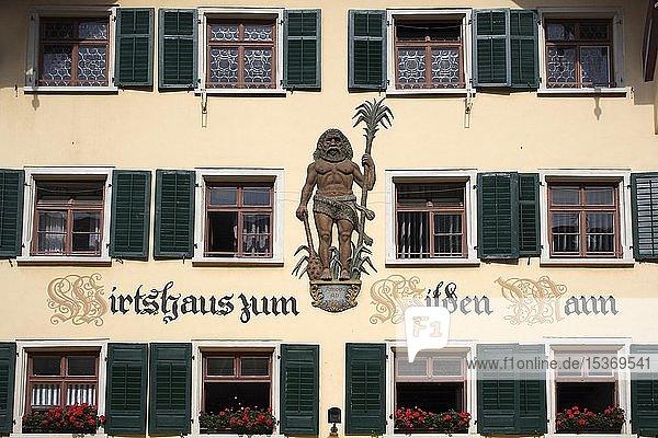 Fensterfassade,  Wirtshaus zum Wilden Mann,  Fußgängerzone,  Kaiserstraße in Waldshut,  Baden-Württemberg,  Deutschland,  Europa