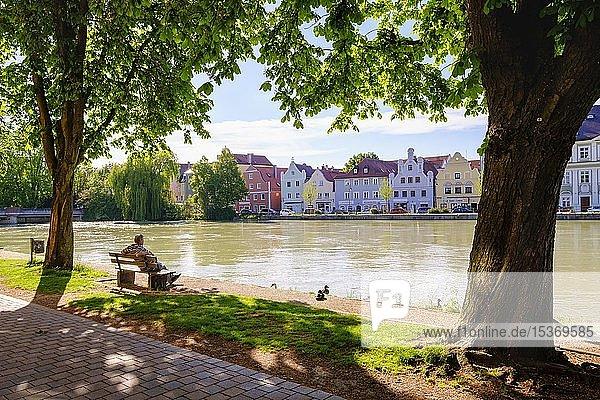 Blick vom Orbankai über Isar  Landshut  Niederbayern  Bayern  Deutschland  Europa
