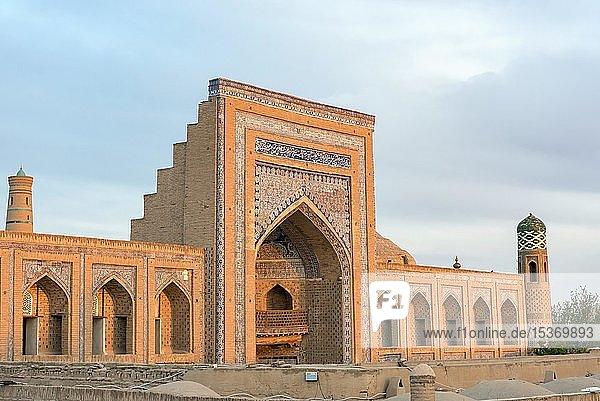 Mohammed Rakhim Khan Madrassah  Muhammad Rahim-khan Madrassa  Chiwa  Usbekistan  Asien