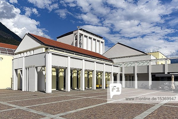 Kulturhaus Karl Schönherr-Haus  Schlanders  Vinschgau  Südtirol  Italien  Europa