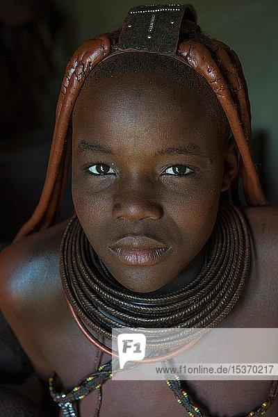 Junges Himba-Mädchen  Kaokoland  Namibia  Afrika
