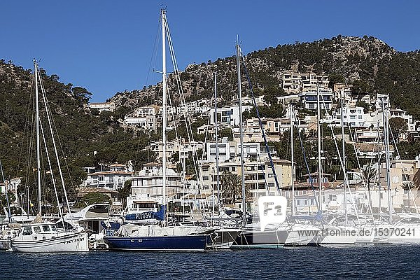 Jachten im Jachthafen  Bucht von Puerto Andratx  Port d'Andratx  Mallorca  Balearen  Spanien  Europa