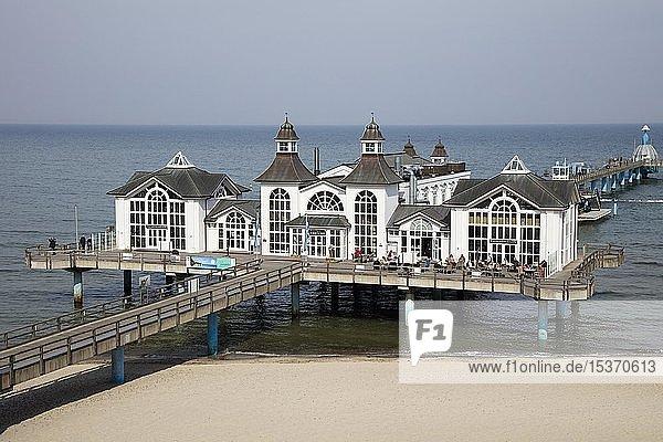 Seebrücke  Ostseebad Sellin  Insel Rügen  Mecklenburg-Vorpommern  Deutschland  Europa
