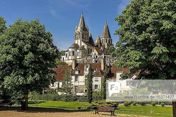 Stiftskirche Saint-Ours  Loches  Departement Indre-et-Loire  Centre-Val de Loire  Frankreich  Europa