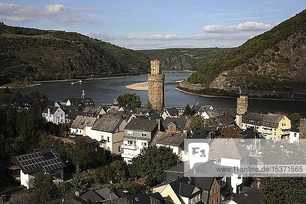 View of Oberwesel with the Ochsenturm tower  Upper Middle Rhine Valley  UNESCO World Heritage Site  Rhineland-Palatinate  Germany  Europe