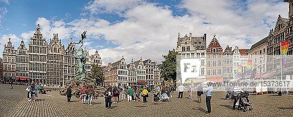 Historischen Fassaden der Gildehäuser am Grote Markt in Antwerpen  Belgien  Europa