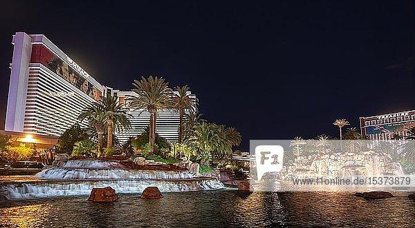 Brunnen des Hotel The Mirage  Nachtaufnahme  Las Vegas  Nevada  USA  Nordamerika