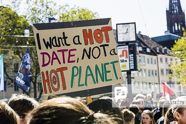 People with posters  climate strike demonstration 20.09.2019  fridays for future  Freiburg im Breisgau  Baden-Württemberg  Germany  Europe