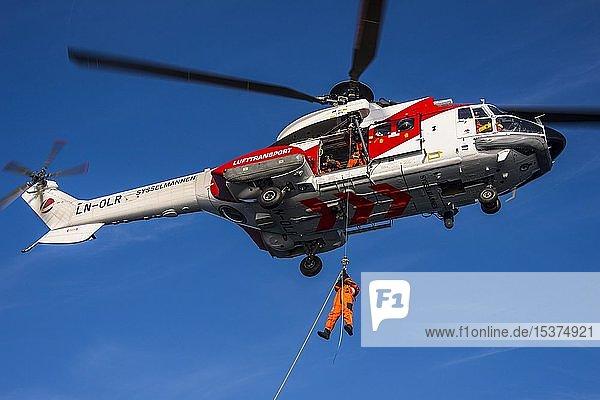 Hubschrauber für Rettungseinsätze  Norwegischer Rettungsdienst Sysselmannen  Svalbard  Arktis  Norwegen  Europa