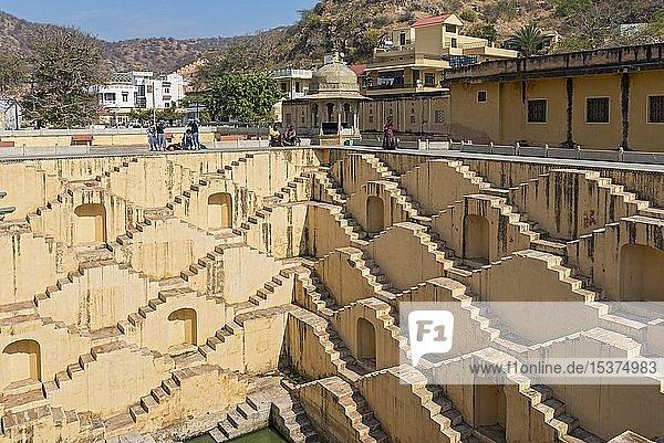Panna Meena ka Kund Stufenbrunnen  Amber in der Nähe von Jaipur  Rajasthan  Indien  Asien