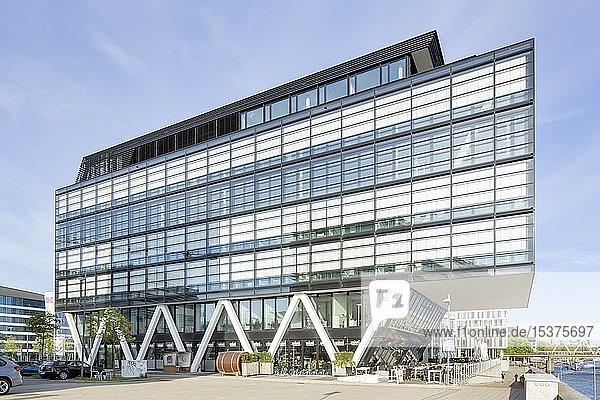 Büro- und Geschäftshaus WQ 1  Weser-Quartier 1  moderne Architektur  Bremen  Deutschland  Europa